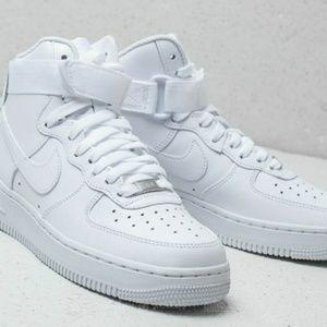 Nike Men's Air Force 1 Mid Shoe